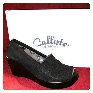 Callisto of California cakewalk open toe Wedges